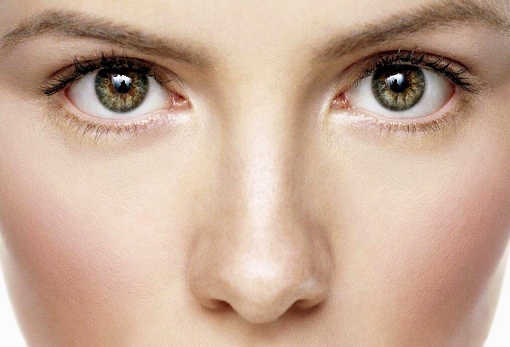 Zmarszczki pod oczami – domowe sposoby na zapobieganie im